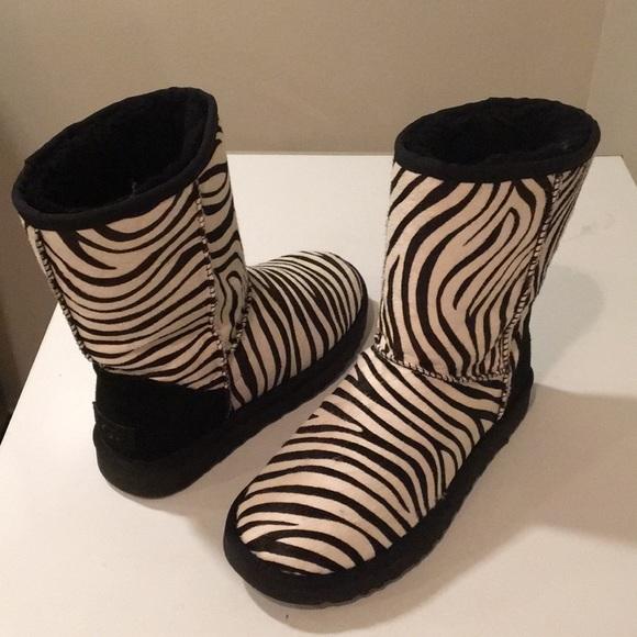 c604106cc6e Used Ugg Exotic Zebra Classic short boots Sz 8 ❤️